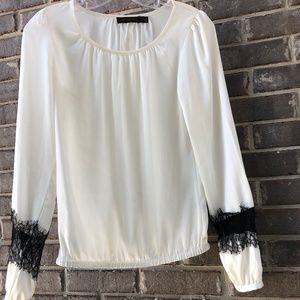 Cream blouse with black detailing by the Limited